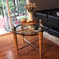 Round Glass Table 45 Inches for Sale in Lynnwood,  WA