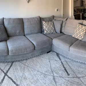 American Signature Sectional Couch for Sale in Atlanta, GA