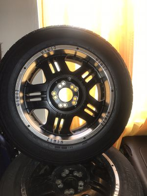 Black 18 inch rims with good rubber for Sale in Columbus, OH