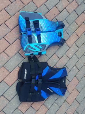 Pair of adult life jackets. O'Neill and Stearns size mediums. Both for $70 for Sale in Morton Grove, IL