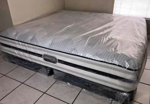 King size Beautyrest pillow top plush mattress comes with boxspring. Dive into the perfect sleep with the Beautyrest Recharge Devonwood Luxury Firm Q for Sale in Renton, WA