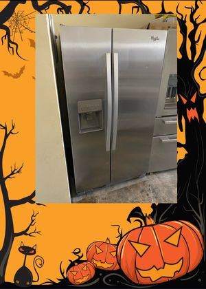 WHIRLPOOL STAINLESS SIDE BY SIDE FRIDGE for Sale in Santa Ana, CA