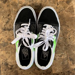 Tennis Vans ( Size :7) Mujer for Sale in Miami, FL