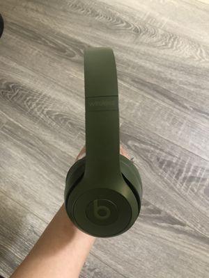 Beats Solo 3 Wireless for Sale in San Bernardino, CA