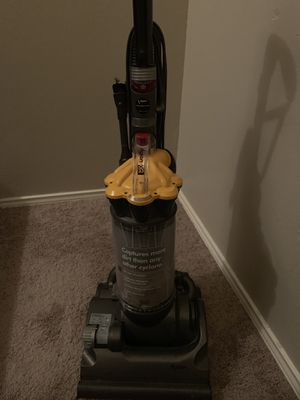 Dyson Cyclone Vacuum for Sale in Arlington, TX