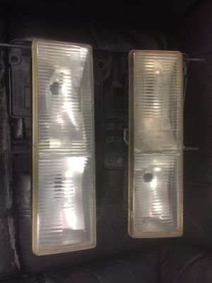 15602613B 15602614B LF RF composite headlamps 1990-98 Chevrolet / GMC This part is compatible with 112 vehicle(s). Up FOR SALE OR TRADE. GENUINE for Sale in Coral Gables, FL