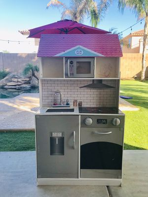 FREE !! Kids Doll House / Play Kitchen (3 Ft Tall) for Sale in Surprise, AZ