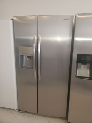 🔥🔥New open box frigidaire side by side refrigerator 36inches wide counter dept in excellent condition 6 months warranty 🔥🔥 for Sale in Mount Rainier, MD