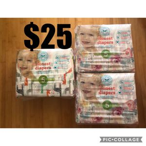 Honest Diapers Size 5, 1 pack Giraffe and 2 packs Rose Blossom for Sale in San Leandro, CA