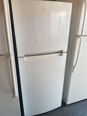 WHIRLPOOL TOP FREEZER 10 cu ft for Sale in Fountain Valley, CA