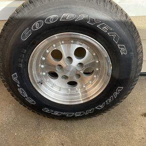Jeep Wrangler wheel for Sale in Murfreesboro, TN
