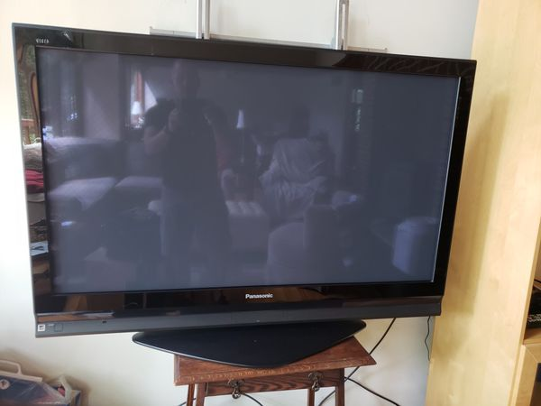 "Panasonic 50"" HD Plasma TV with Vizio 5.1 channel sound bar system"