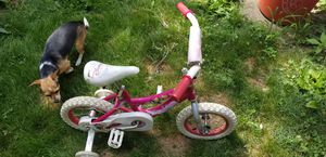 Princess bike with training wheels for Sale in Penn Hills, PA