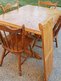 5-Piece Solid Oak Dining Room Set for Sale in Hendersonville,  TN
