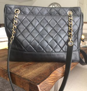 Auth CHANEL Quilted Matelasse Chain Shoulder bag for Sale in Diamond Bar, CA
