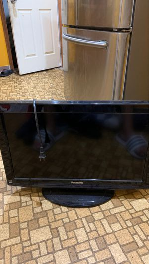 Panasonic LCD TV Great condition for Sale in Bayonne, NJ