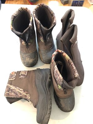 Kids hunting/ snow boots with insulation booties- size 3y and 4y for Sale in Suffolk, VA