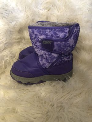 Size 11 girls snow boots for Sale in El Paso, TX