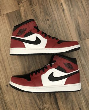 Air Jordan 1 Mid Chicago Black Toe size 11 for Sale in Los Angeles, CA