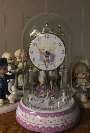Precious moments Jesus loves me clock glass and porcelain runs by motion plays music on certain hrs 2002 Valdawn watch company for Sale in Bethlehem, PA