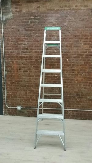 Louisville 8 Ft Ladder for Sale in New York, NY