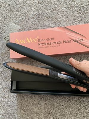 New hair straightener and curls 2in1 for Sale in San Diego, CA
