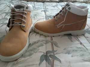 Ladies size 7 Timberland New. for Sale in Cleveland, OH