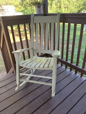rocking chair for Sale in Simpsonville, SC