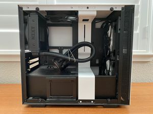 Nzxt 200hi mini itx pc case with nzxt m22 aio for Sale in Rocklin, CA