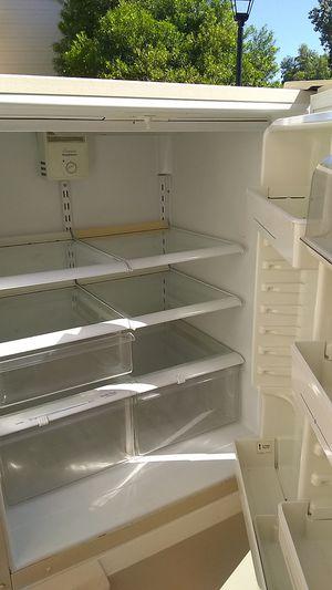 Whirpool refrigerator for Sale in Mesa, AZ