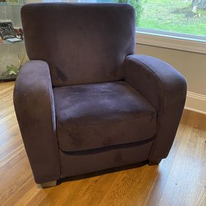 Plum Velvet Reclining Chair for Sale in Portland, OR