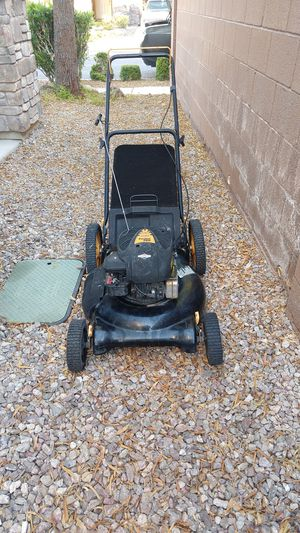 Poulan Pro lawn mower for Sale in North Las Vegas, NV