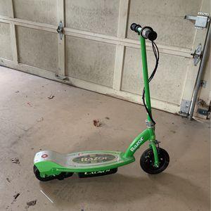 razor electric scooter for Sale in Alpharetta, GA