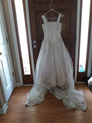 White beaded Wedding dress for Sale in Benson, NC