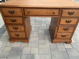 Bassett furniture antique maple solid wood desk with7 drawers 1950th for Sale in Glendale, CA