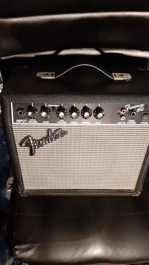 Fender Frontman 15G guitar amp for Sale in Modesto, CA