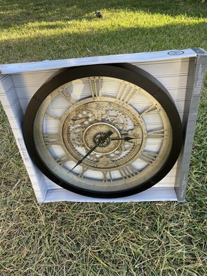 Sterling & Noble 24 in. Antique Gear Wall Clock for Sale in Norwalk, CA