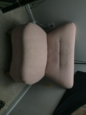 Antique chair for Sale in Cumming, GA