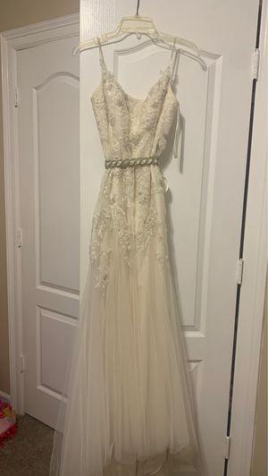 Wedding dress for Sale in Rio Grande City, TX
