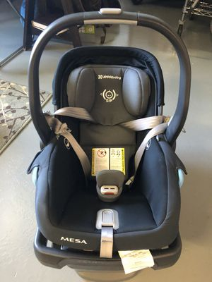 UPPAbaby Mesa infant car seat - with base really great condition - NEW for Sale in San Diego, CA