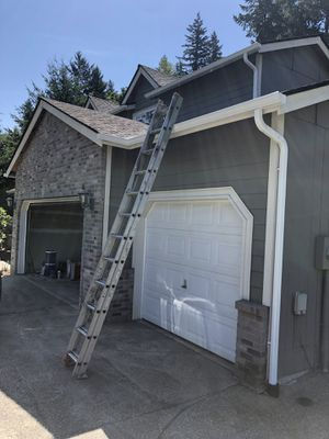 24 foot extension ladder for Sale in Bonney Lake, WA