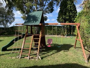 Playground set for Free for Sale in Boca Raton, FL