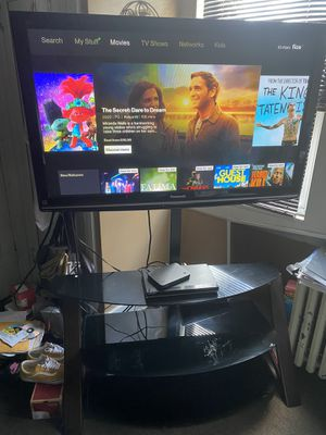 50in tv with stand for Sale in Camden, NJ
