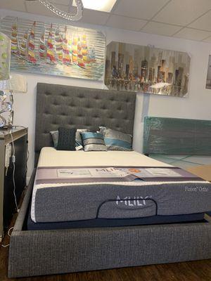 Queen bed frame for Sale in Plantation, FL
