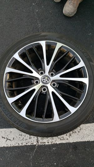 """18"""" toyota camry 2019 18x8 5x114.3 Machine black OEM rims for Sale in TEMPLE TERR, FL"""