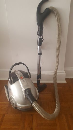 Vacuum Hoover Canister Bagless Light Clean Floor for Sale in New York, NY