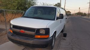 Chevy express 2005 for Sale in Tucson, AZ
