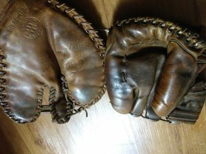 1918 vintage mint condition major leage issue baseball gloves for Sale in Nashville, TN