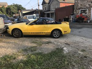 2005 Mustang convertible for Sale in Duquesne, PA