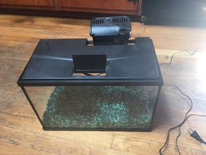 5 Gallon Fish Tank with LED lights for Sale in Hampton, VA